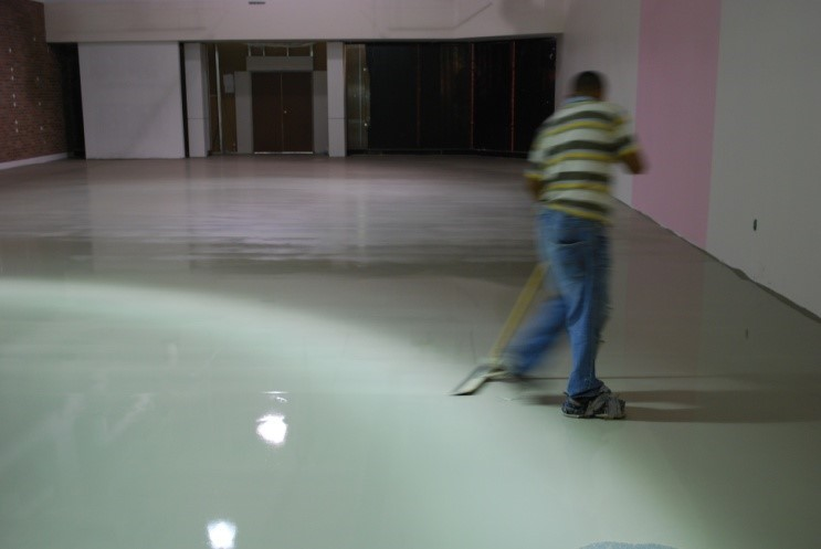 Epoxy Flooring Why Is A Polyurethane Topcoat Important