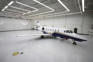 safe-light-reflectant-hangar-floor